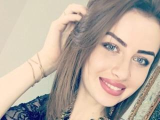Voir le liveshow de  KarinaRoy de Xlovecam - 21 ans - I will make you feel pleasure