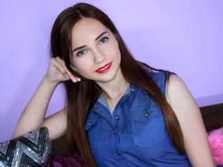 DarleneKittyKi sexy cam girl