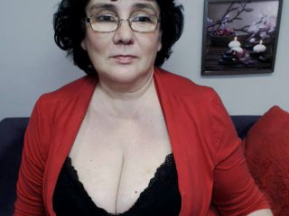 Voir le liveshow de  DorisMature de Xlovecam - 49 ans - If you like older ladies with a penchant for stockings, heels, sexy lingerie and getting naugh ...