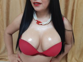 Voir le liveshow de  HannaBoobsX de Xlovecam - 30 ans - I am a sweet, tender and hot woman, I want to hear about things that excite me hmm I like anal ...