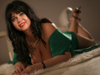 Voir le liveshow de  MatureVivian de Xlovecam - 32 ans - Hot, smart mature always in the mood for a nice quiet conversation. And maybe more... who kno ...