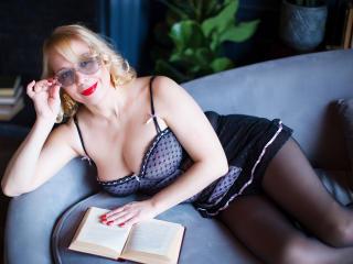 IngridWhite nude on cam