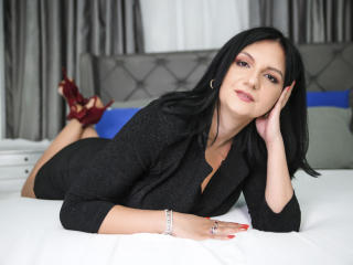 Voir le liveshow de  MadameAlexaX de Xlovecam - 38 ans - My show is all about quality time! My goal is to please both of us. Sexy, naughty and friendl ...