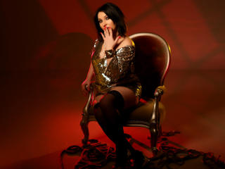 Voir le liveshow de  ISurenderToU de Xlovecam - 34 ans - I am a submisive in need of guidance,boundaries,rules and punishment !I am a true pain sub op ...