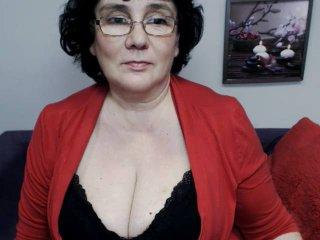 DorisMature nude on cam