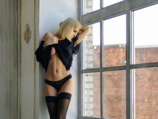 Voir le liveshow de  ClassyJina de Xlovecam - 34 ans - Real sensual naughty and openminded woman, I'd love to give you a true pleasure and share it wi ...