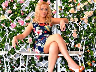 Voir le liveshow de  MillyMilfy de Xlovecam - 45 ans - Mignone blonde with a sexy killer ass
