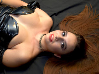 Voir le liveshow de  SorelleDomina de Xlovecam - 19 ans - Perfect Princess who is eager to take advantage of submissive  men.I seek perfection and dem ...