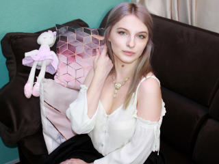 LimeQueen nude on cam