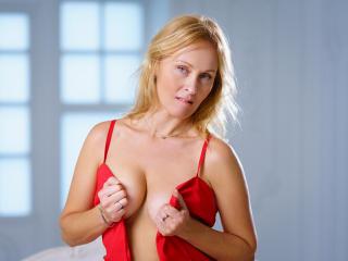 NatalySun nude on cam