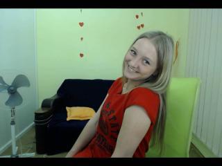 Voir le liveshow de  LilaMiu de Xlovecam - 24 ans - All about me... Im young/fresh/smart/cute princess-)